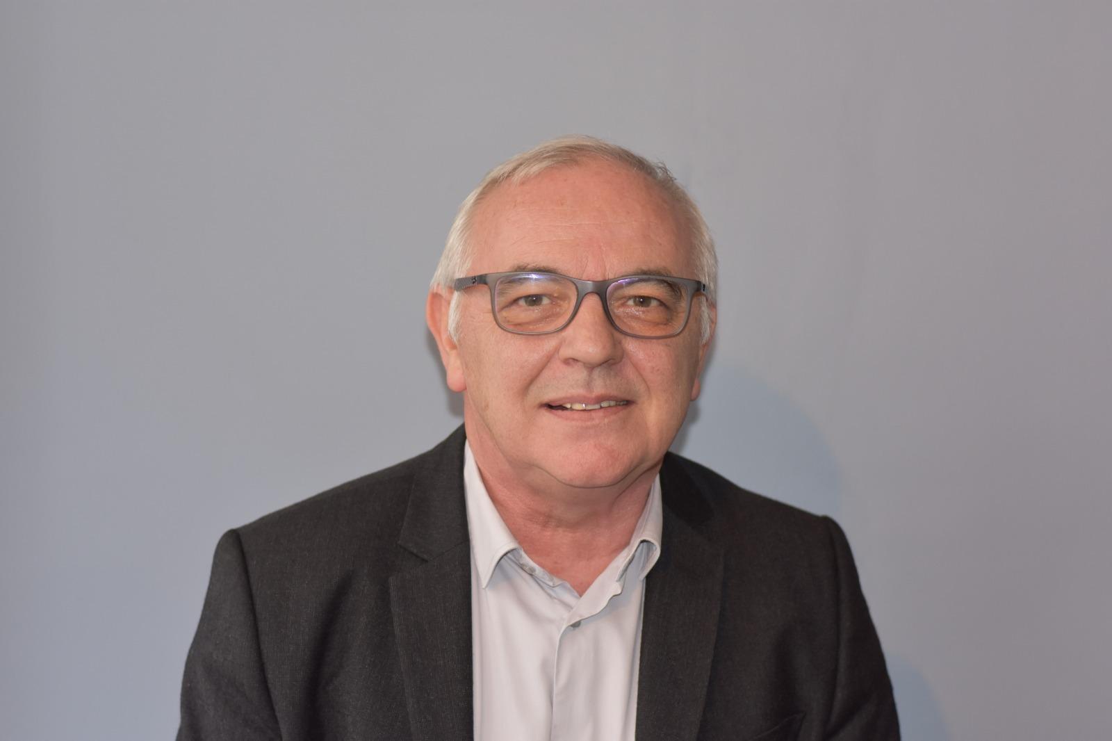 18 . Philippe HOUPLAIN